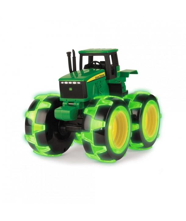 Tractor cu roți luminate